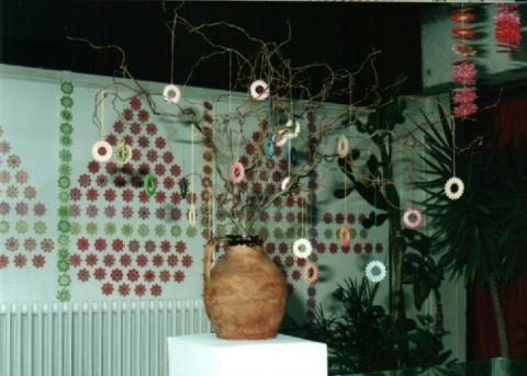 Teacsillagokkal díszített fa